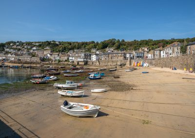 mousehole-beach-and-harbour